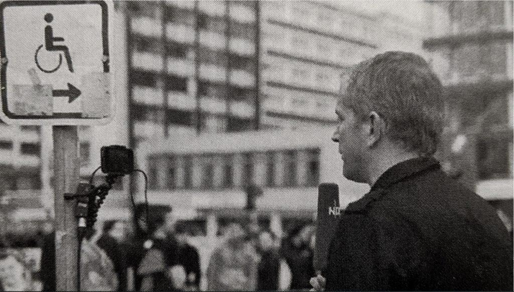Smartphone-Journalismus-Björn-Staschen-macht-einen-TV-Aufsager