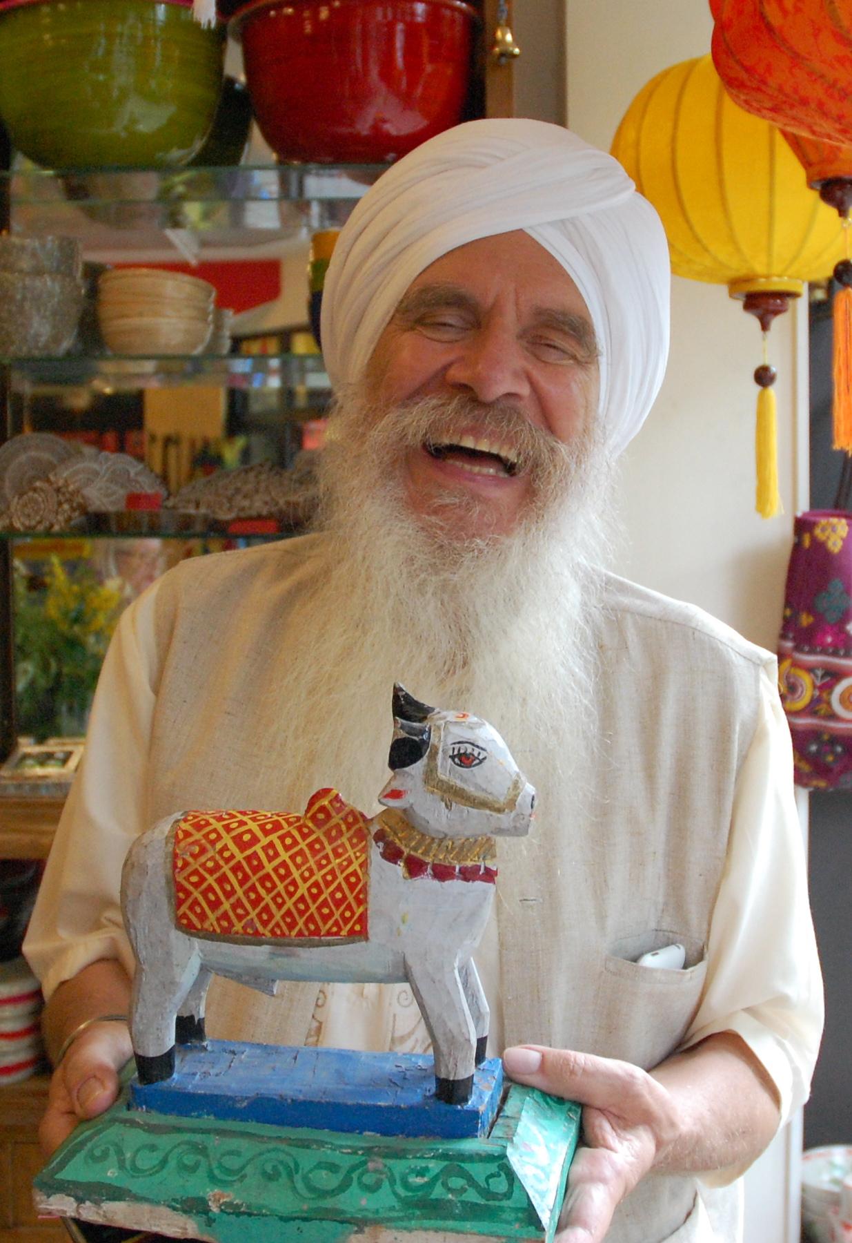Der Sikh Sat Hari Singh hat die Firma Yogi-Tee gegründet.