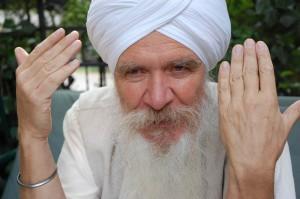 """Im Multimedia-Projekt """"Glaubensfragen"""" spricht der Sikh Sat Hari Singh auch über seinen Turban."""